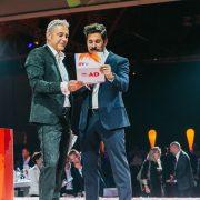 iab webAD 2019 – Bühnensituation mit Moderator Christian Clerici