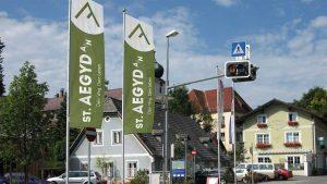 """""""Fahntastisch"""" – Stadtfahnen in St. Aegyd"""