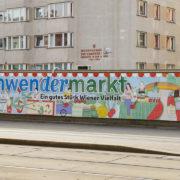 Gute, einprägsame Sichtbarkeit für den Schwendermarkt von der Mariahilfer Straße her.
